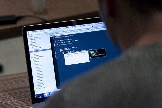 New Program Teaching Native American Girls to Code