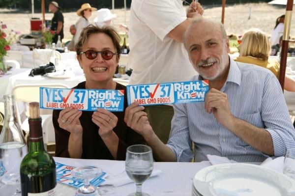 Alice Waters Carlo Petrini Proposition 37-GMO