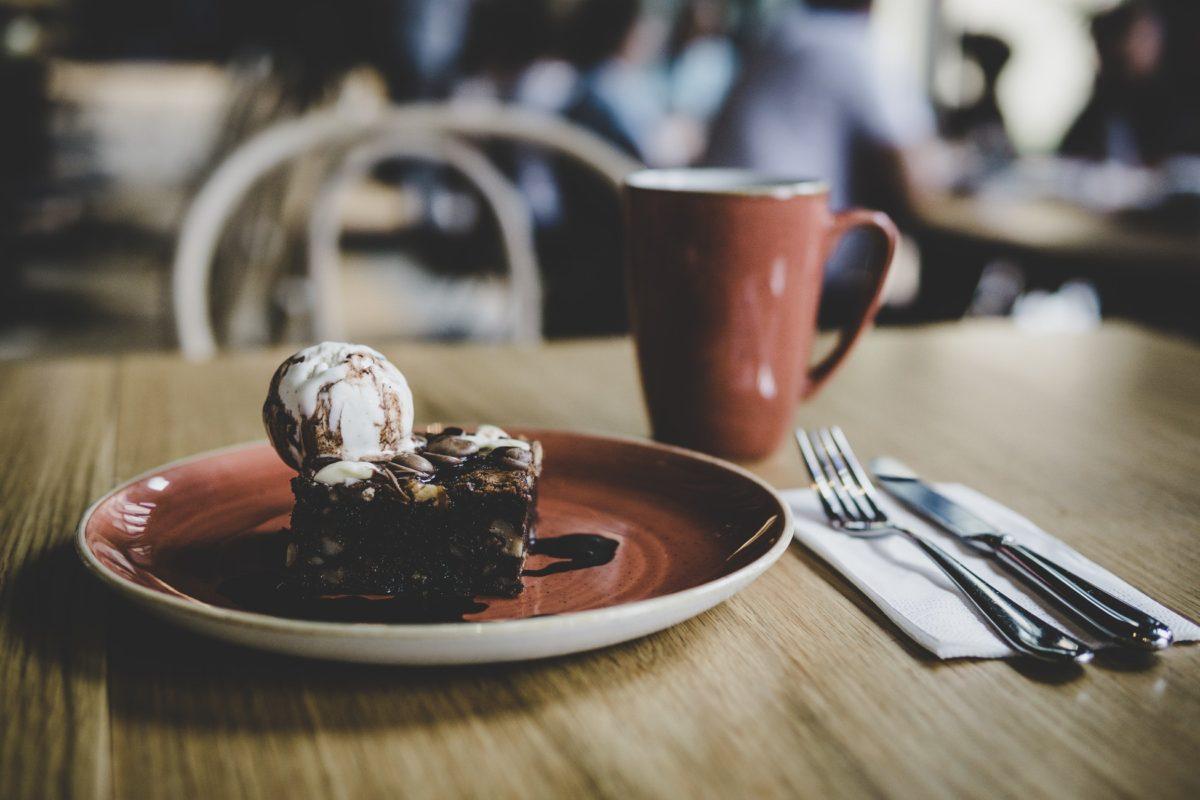 chocolate pie brownie ala mode