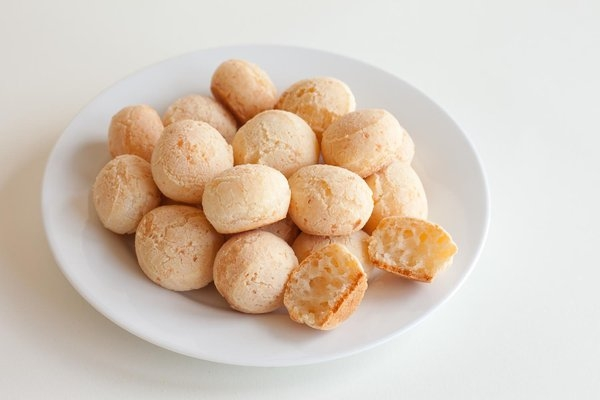 mani-snacks-gluten-free-brazilian-cheese-bread
