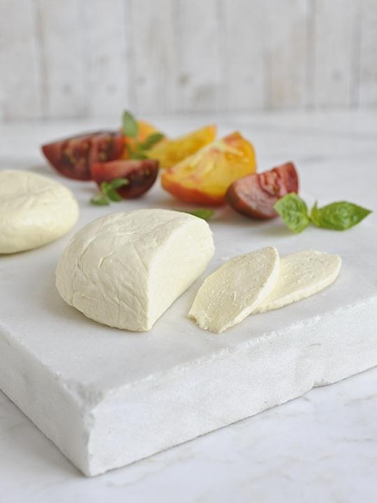 how-to-make-mozzarella-cheese-pizza