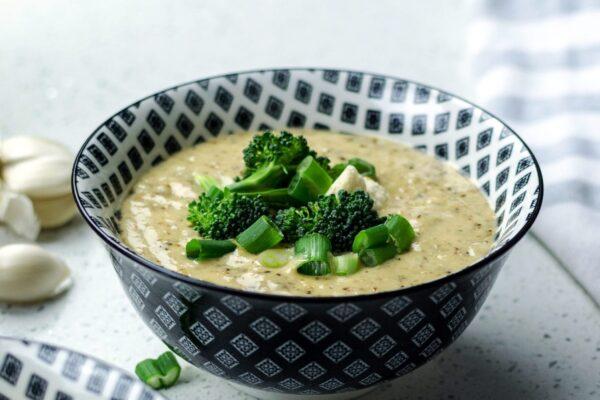 cream broccoli soup with lemon