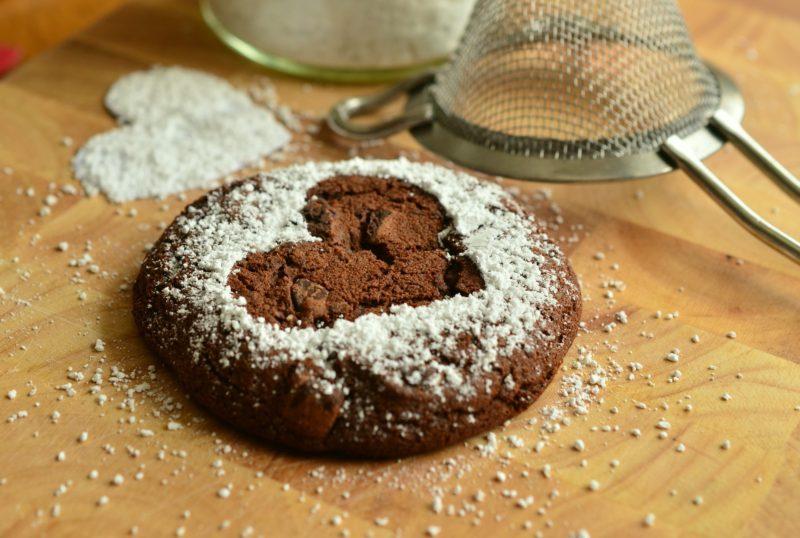Chocolate crinkles and wine pairing