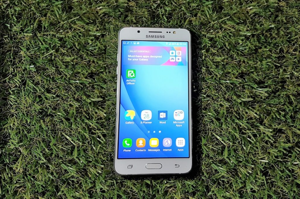 [Review] Samsung Galaxy J5 (2016) - The Fifth Element Revisited 1