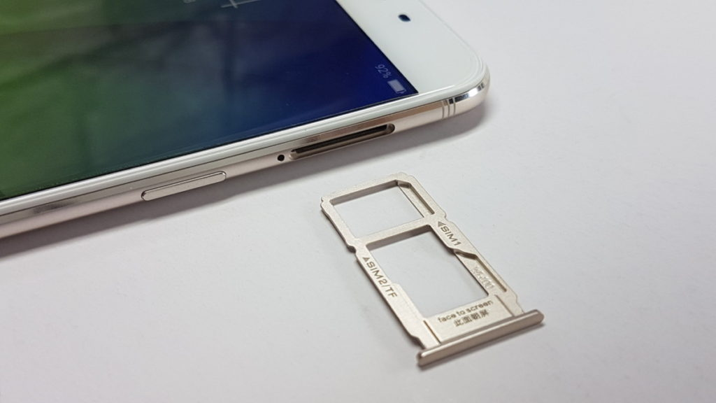 Unboxing the OPPO R9s 9