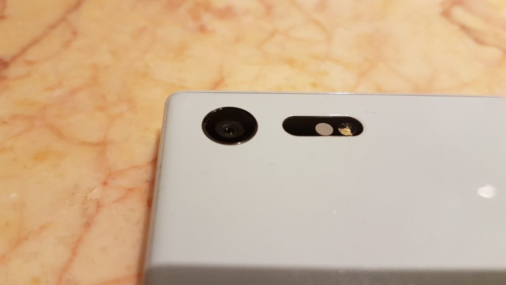 [Review] Sony Xperia X Compact - X marks the spot 6