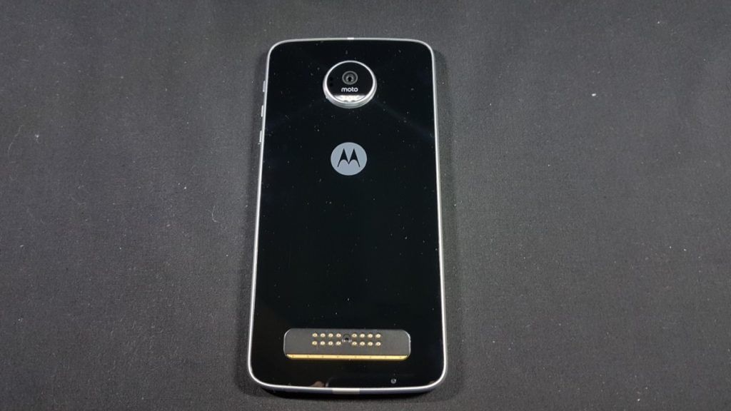 [Review] Moto Z Play - The Well Connected Workhorse Phone 4