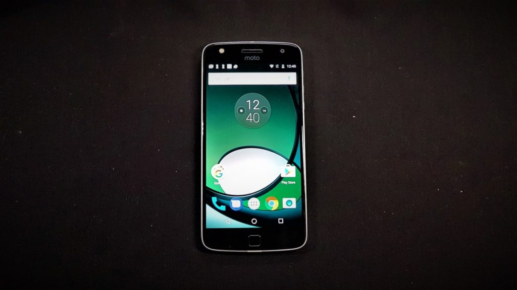 [Review] Moto Z Play - The Well Connected Workhorse Phone 2