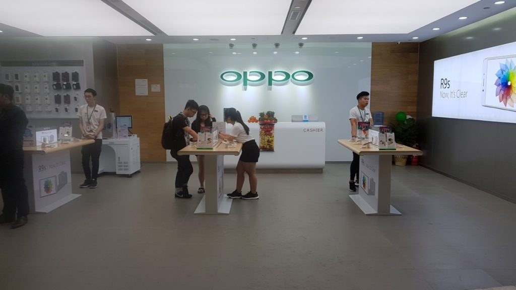 OPPO's first Southeast Asia flagship store is open for business at KLCC 12