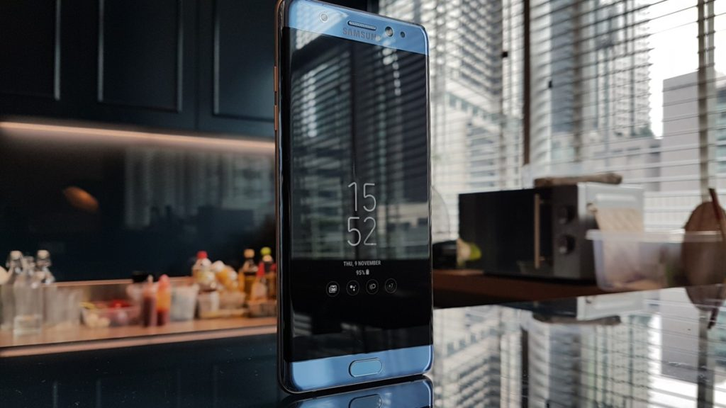 [ Review ] Samsung Galaxy Note Fan Edition 30