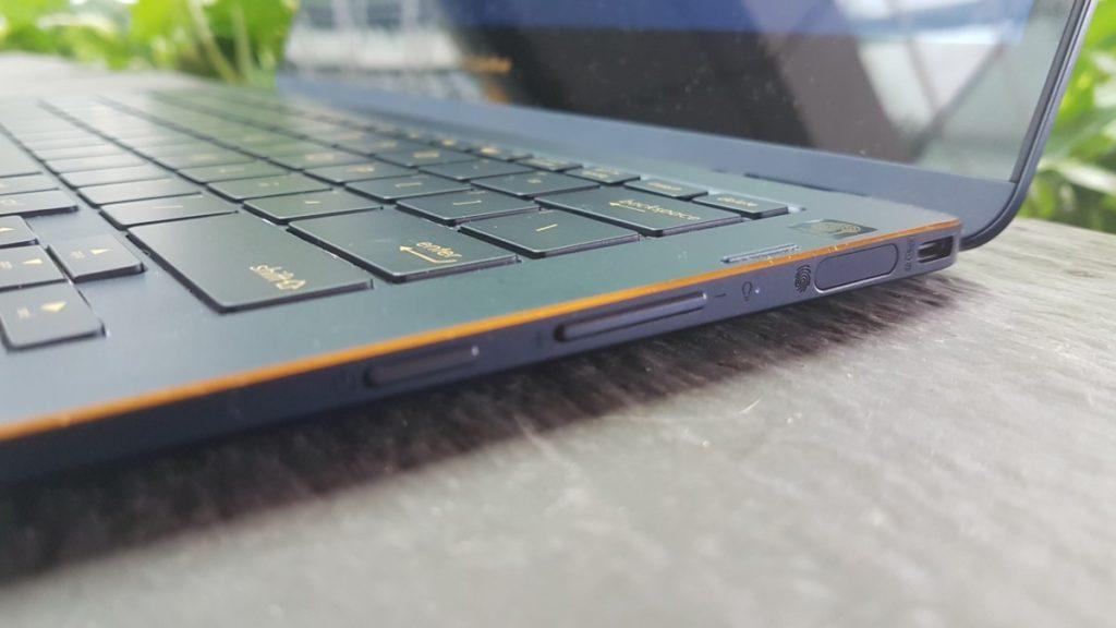 [ Review] Asus Zenbook Flip S UX370UA : Svelte and light 4