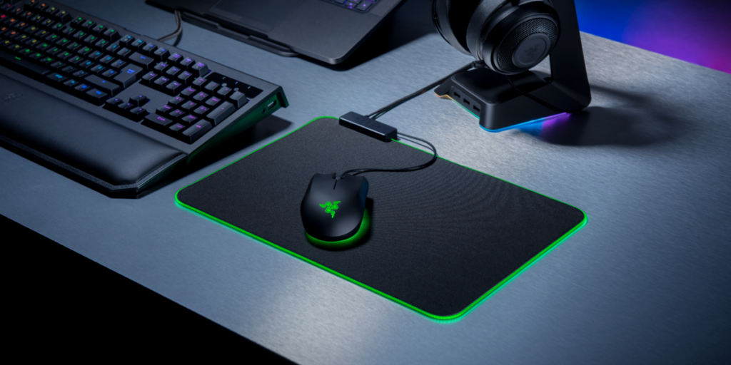 The Razer Goliathus Chroma mouse pad brings the bling for gamers 8