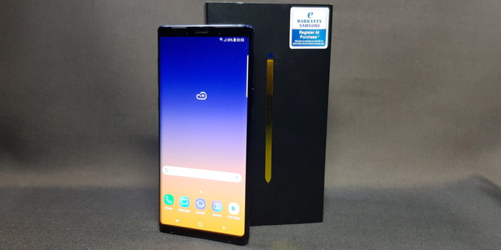 Unboxing Samsung's Galaxy Note9 - What's in the Box? 4