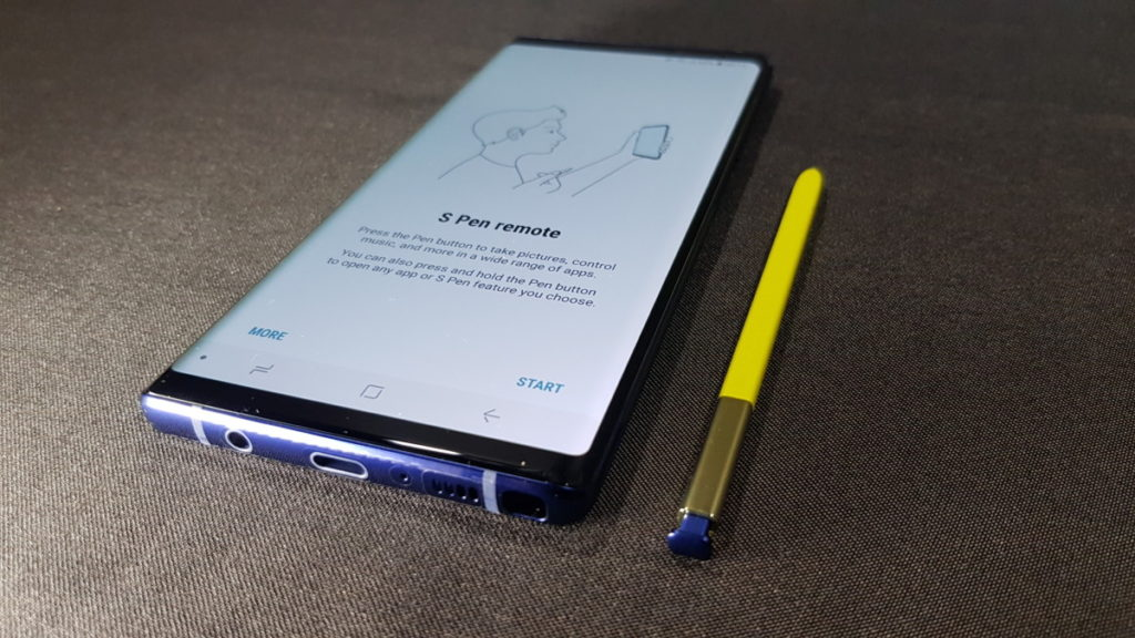 Unboxing Samsung's Galaxy Note9 - What's in the Box? 15