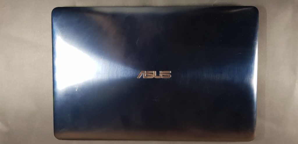 [Review] Asus Zenbook Pro 15 UX580G-EE2030T - ScreenPad Sensation 3