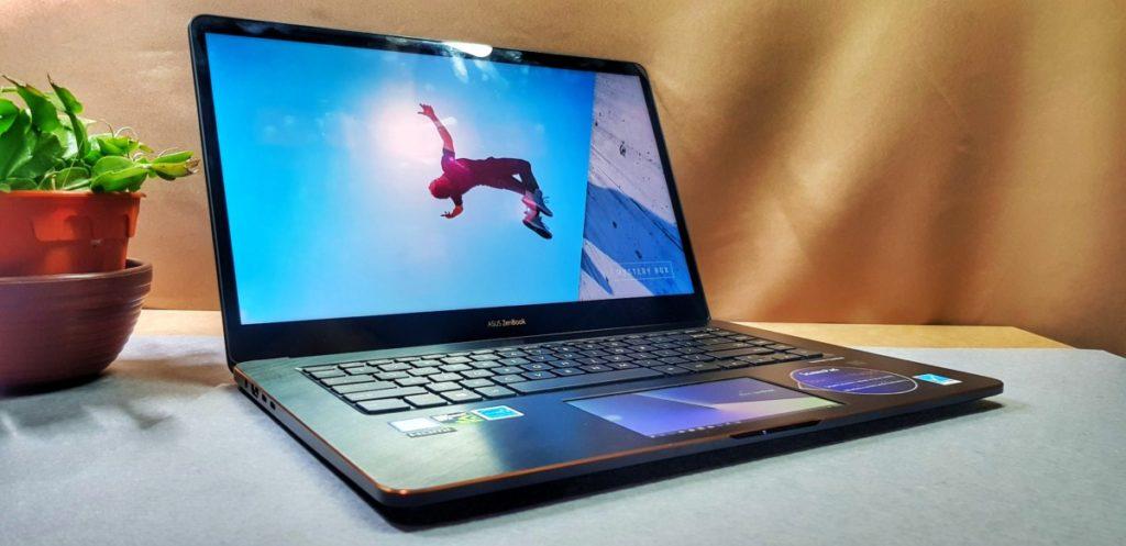 [Review] Asus Zenbook Pro 15 UX580G-EE2030T - ScreenPad Sensation 15