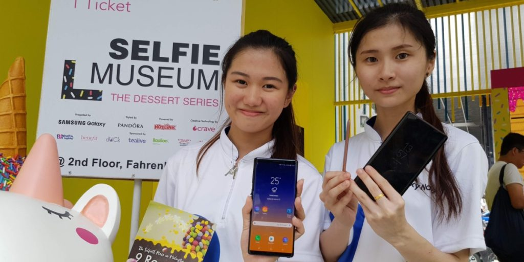 Samsung #BlueAndYellow Movement wants you to unleash your selfie superpowers 16