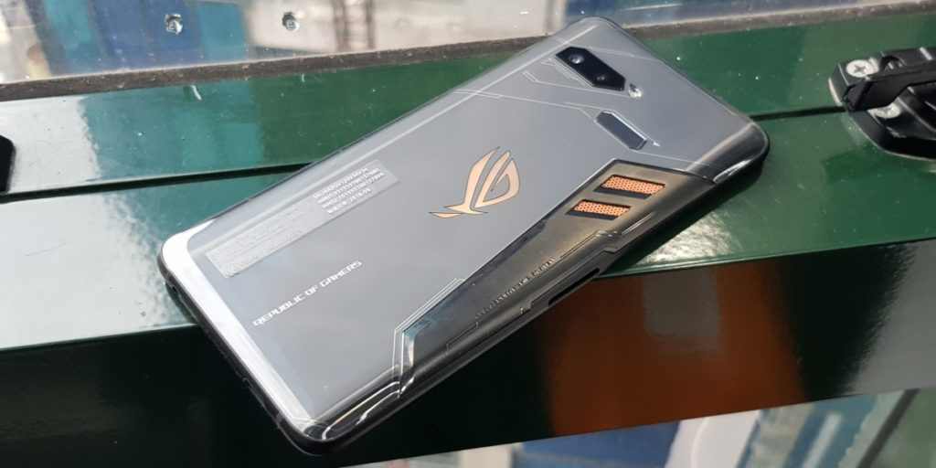 [Review] Asus ROG Phone - The Game Changer Is Here 5