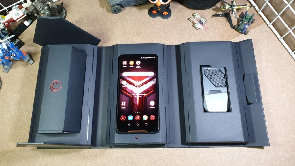 [Review] Asus ROG Phone - The Game Changer Is Here 3