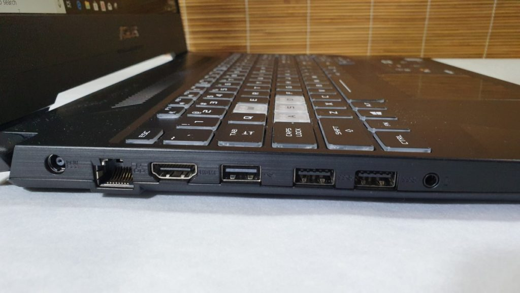 [Review] Asus FX505 - Glorious Gaming Goodness 3