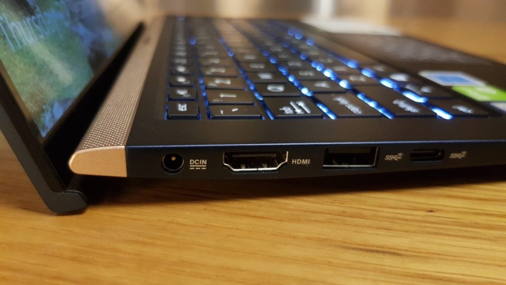 [Review] Asus ZenBook 13 UX333 - Small in Size, Big on Power 4