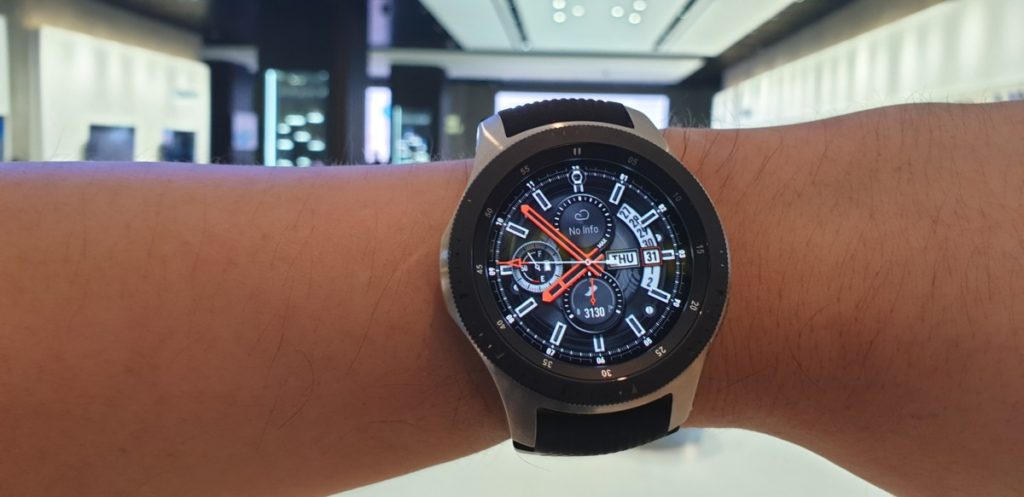 [Review] Samsung Galaxy Watch - Making Time 4
