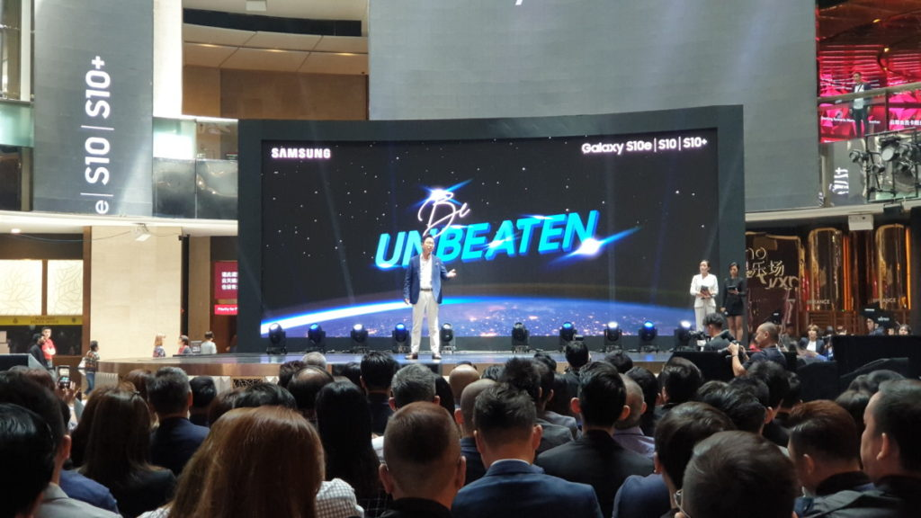 Samsung Malaysia launches the Galaxy S10 into space 1