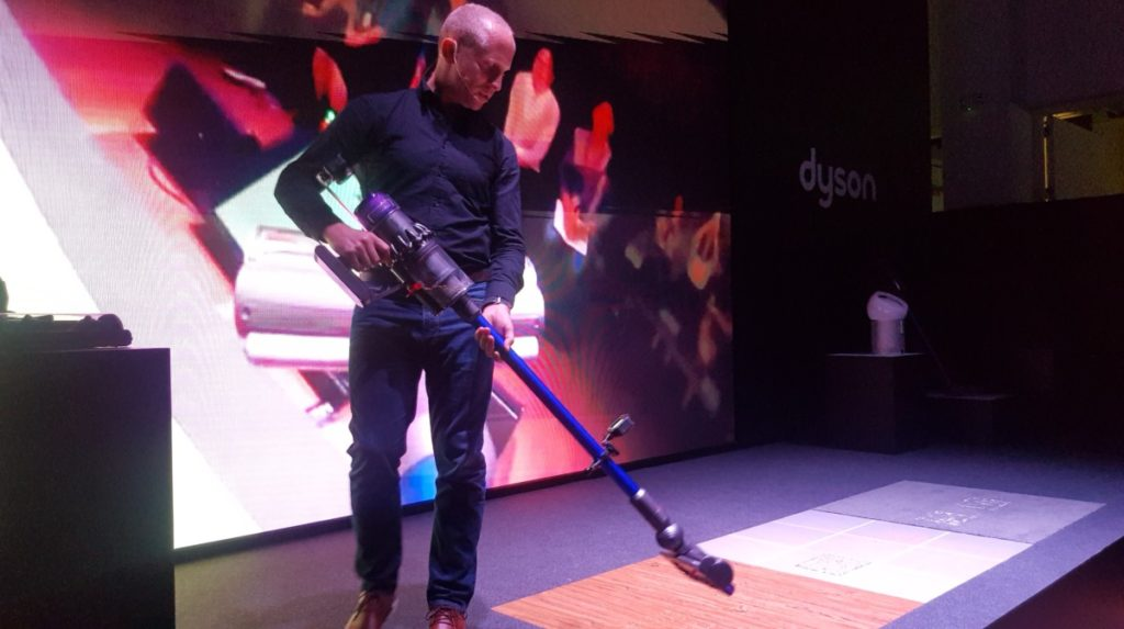 Dyson debuts their next generation V11 cordless vacuum, Lightcycle and Pure Cool Me in Southeast Asia 6