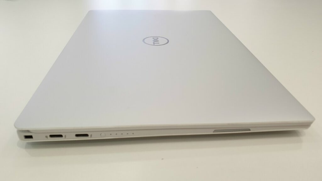 Dell XPS 13 9380 ultrabook unboxing and first look 2