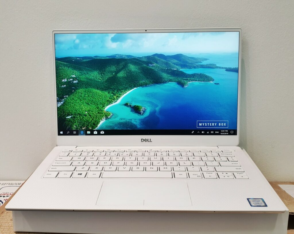 Dell XPS 13 9380 ultrabook unboxing and first look 3