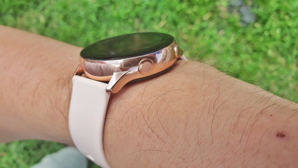 [Review] Samsung Galaxy Watch Active - Right on Time 5