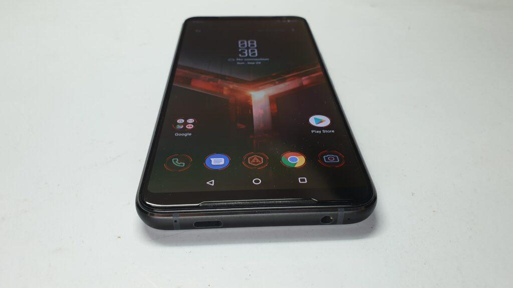ROG Phone II bottom