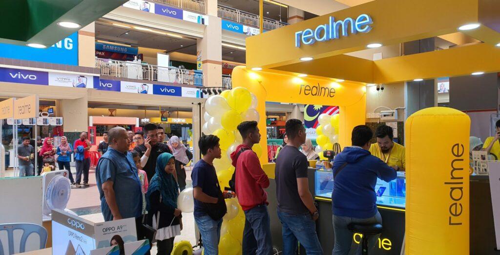 Realme 5 Pro sells like hotcakes on Malaysia debut 1
