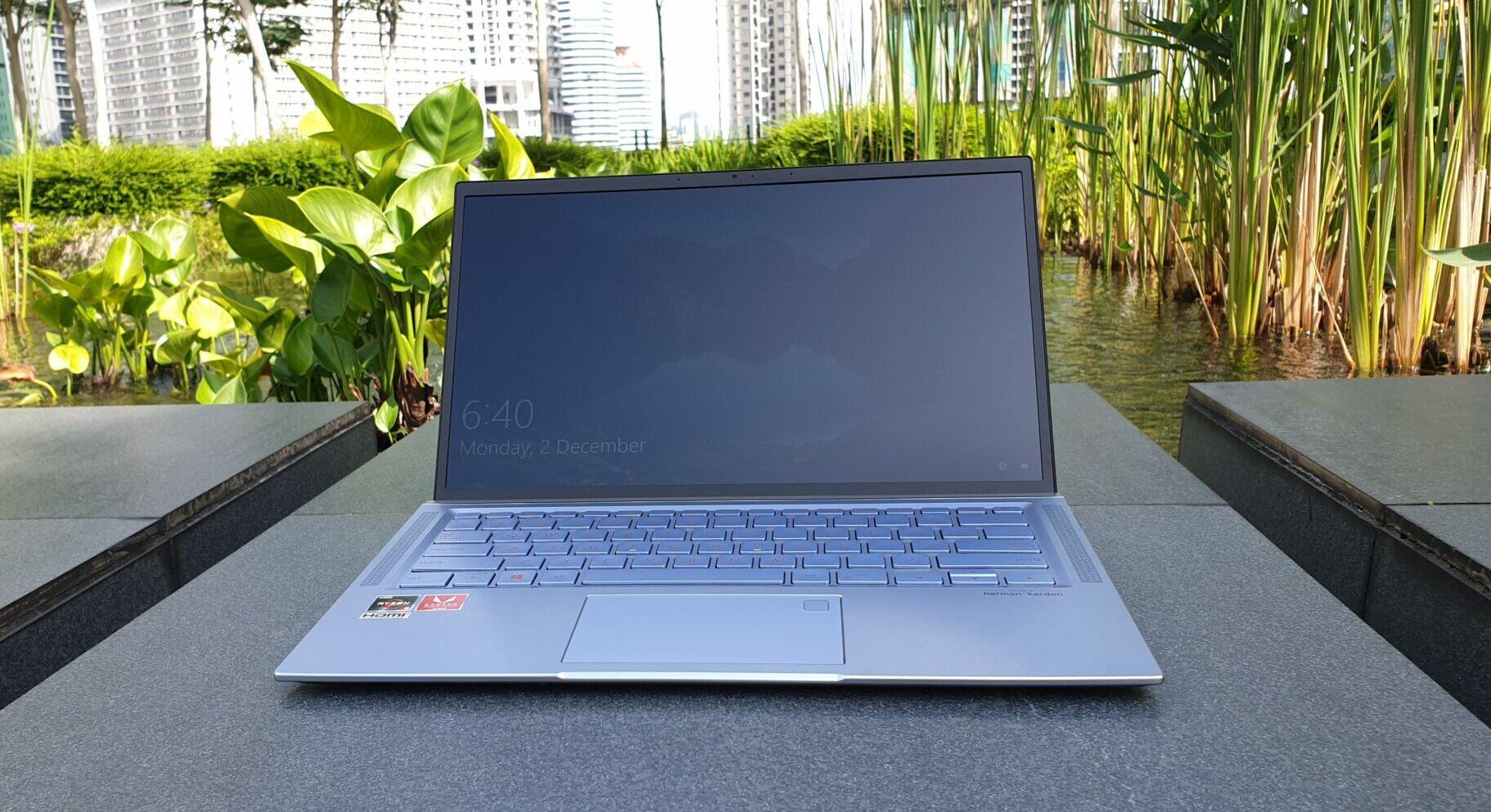 Asus ZenBook 14 UM431 front angled