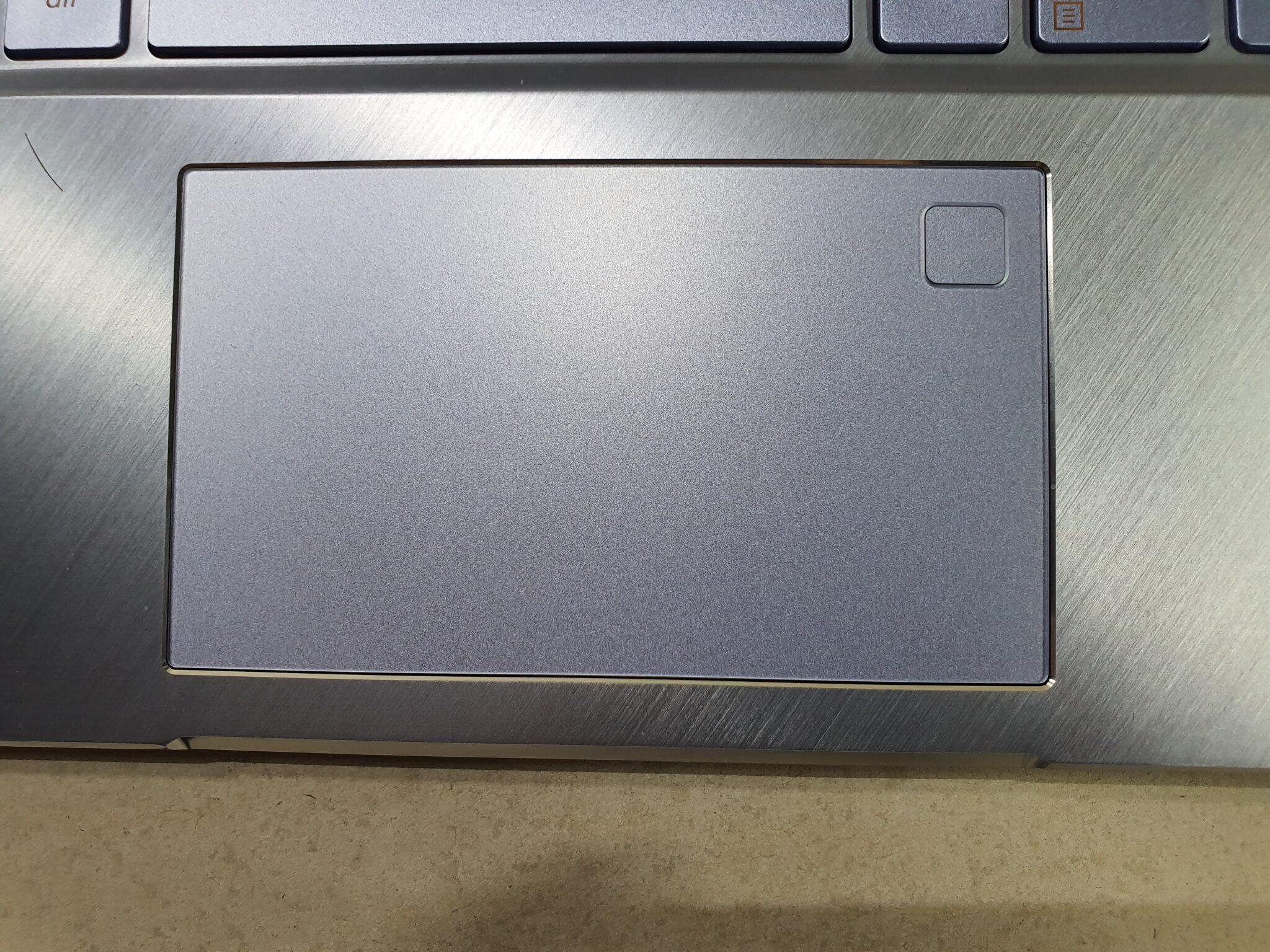 Asus ZenBook 14 UM431 touchpad