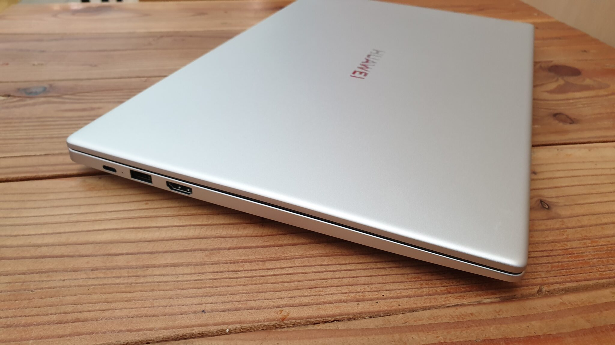MateBook D 15 left