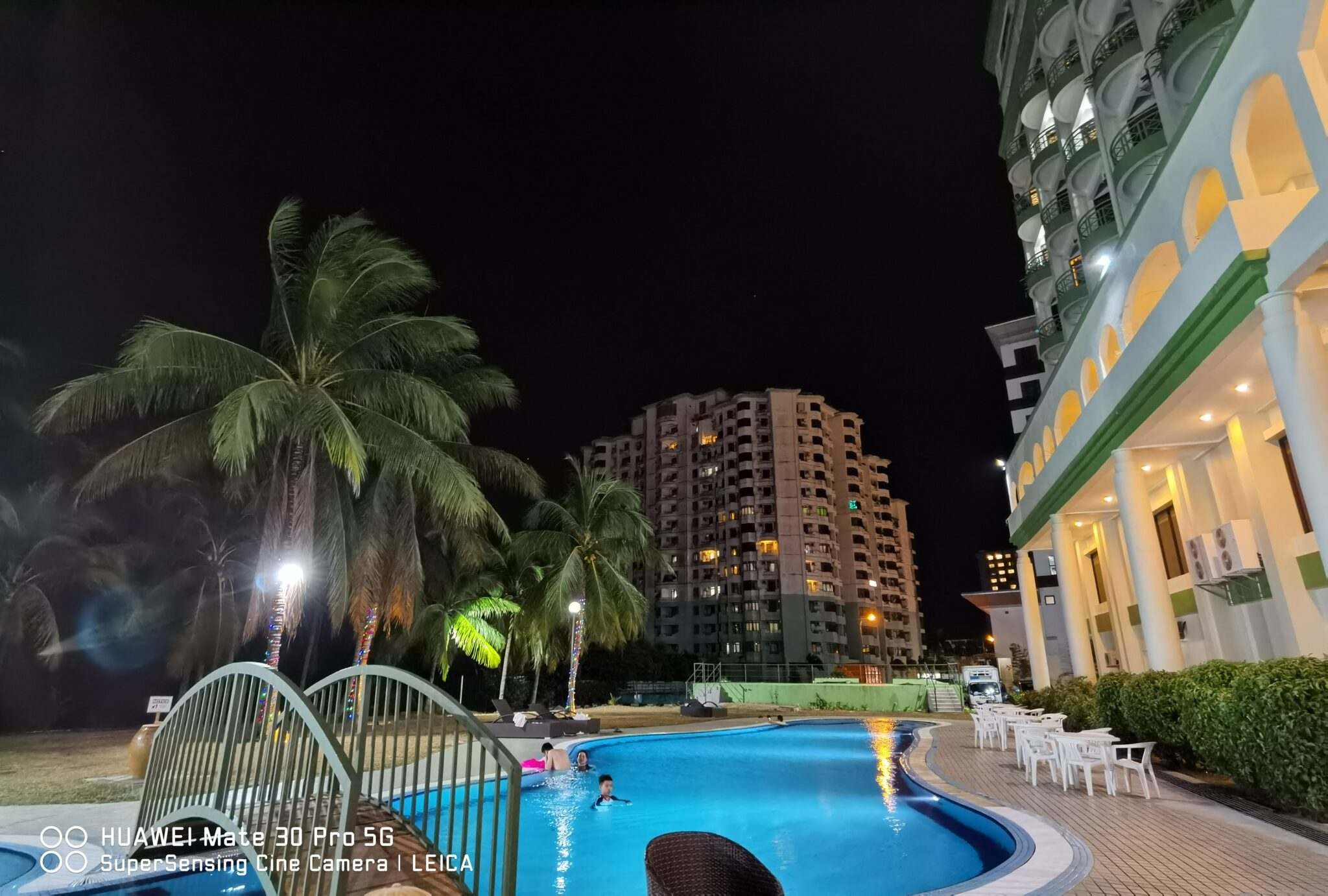 Mate30 Pro 5G pool