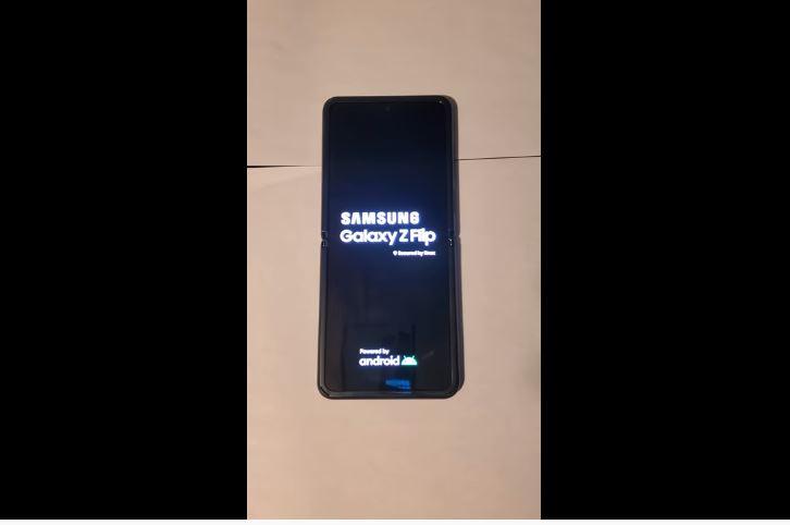 Samsung Galaxy Z Flip 1