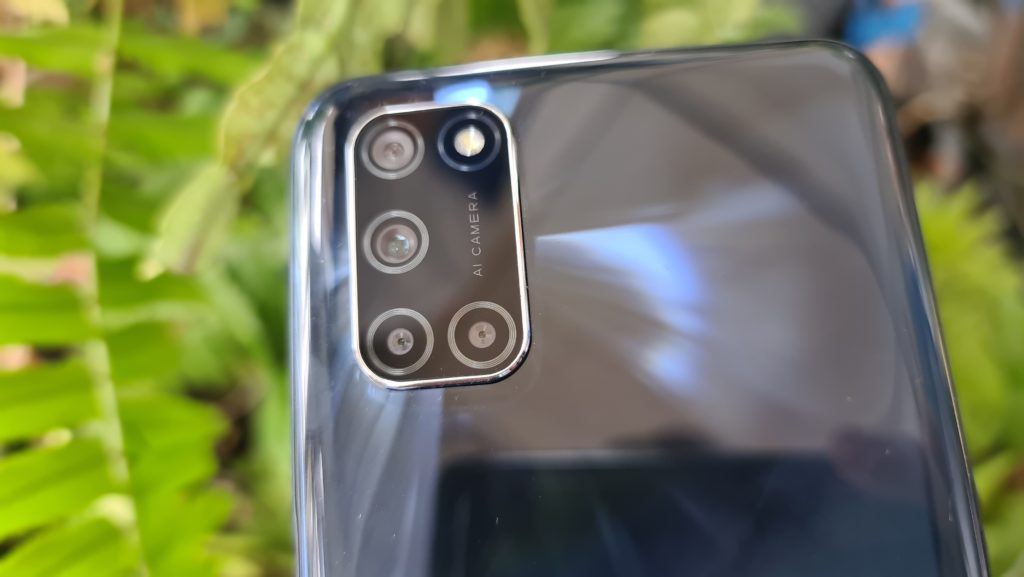 OPPO A92 review back