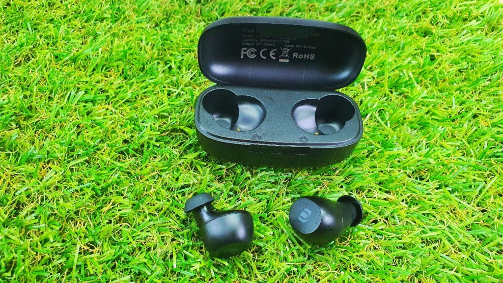 UGREEN WS102 True Wireless Stereo Earbuds Review front