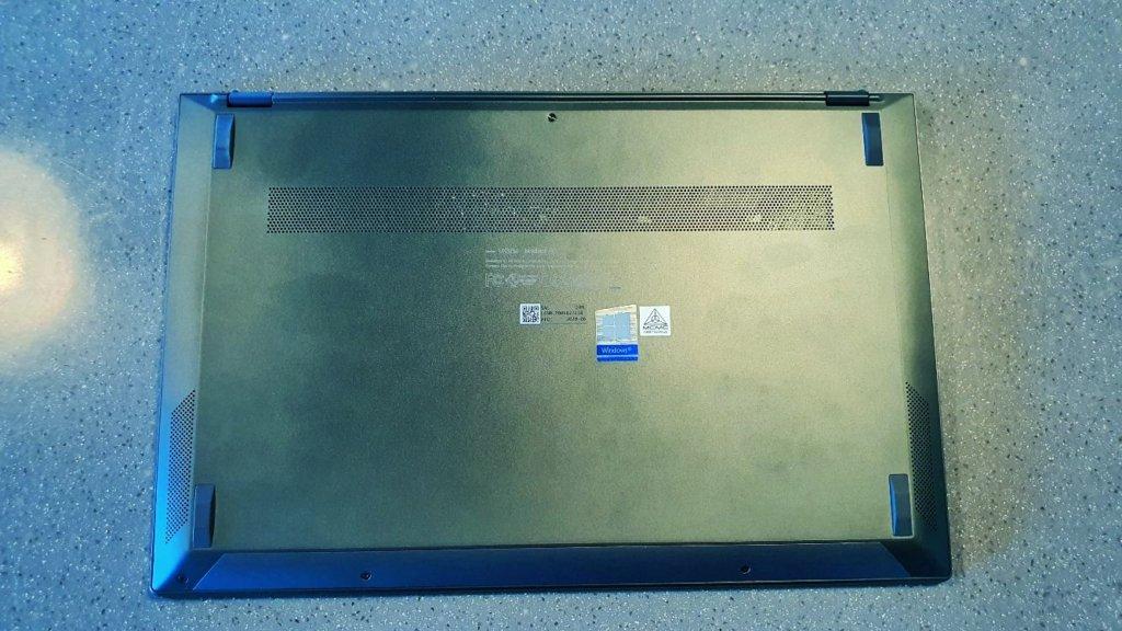 asus zenbook 13 ux325 underside