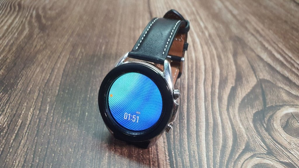 Galaxy Watch3 strap angled