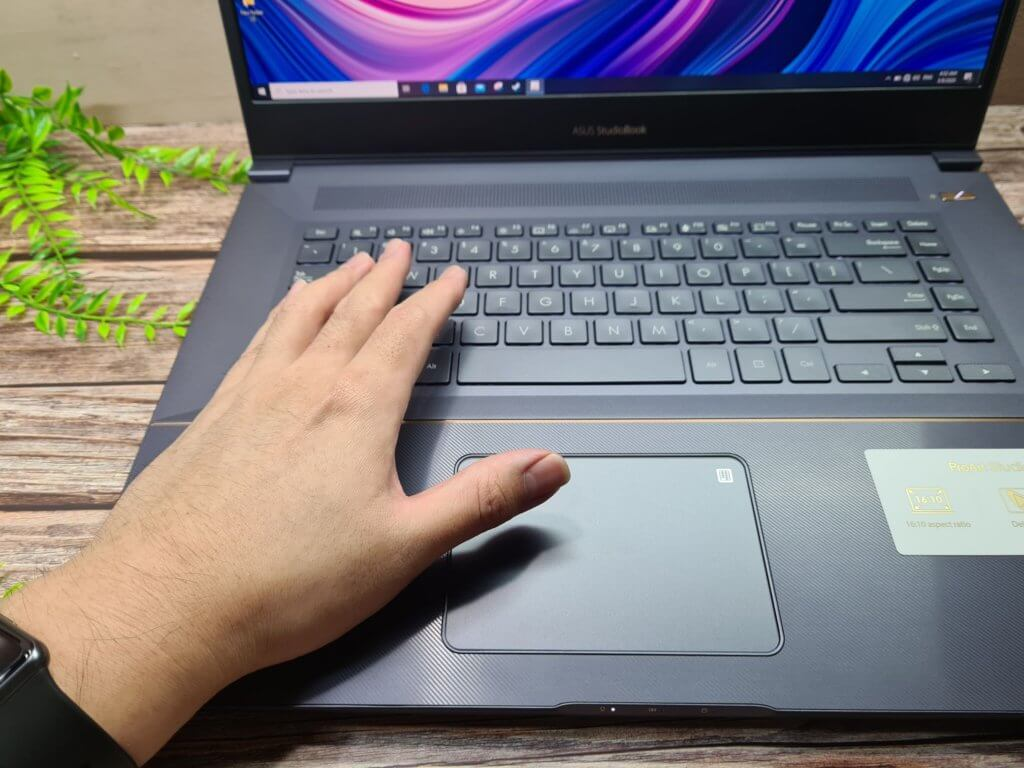 Asus ProArt W700 W700G2T wrist rests