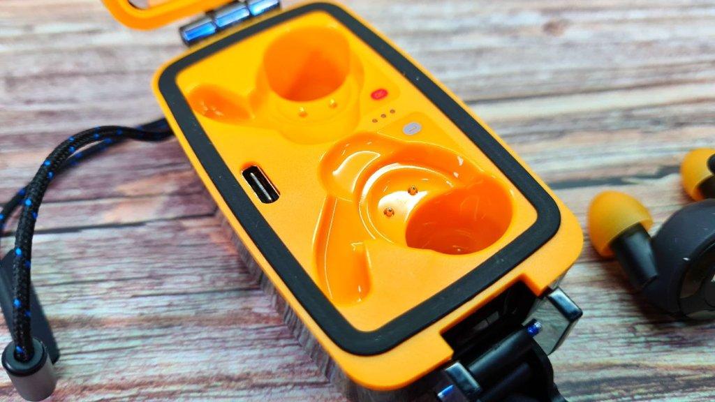Klipsch T5 II True Wireless Sport McLaren Edition review case charging port