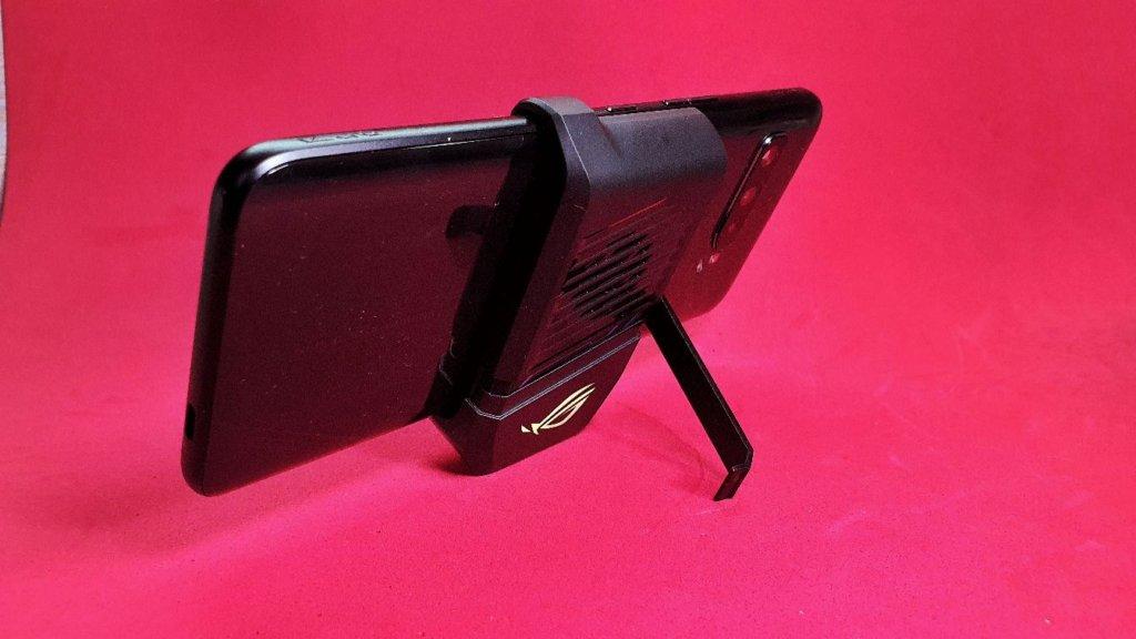 ASUS ROG Phone 3  AeroActive cooler
