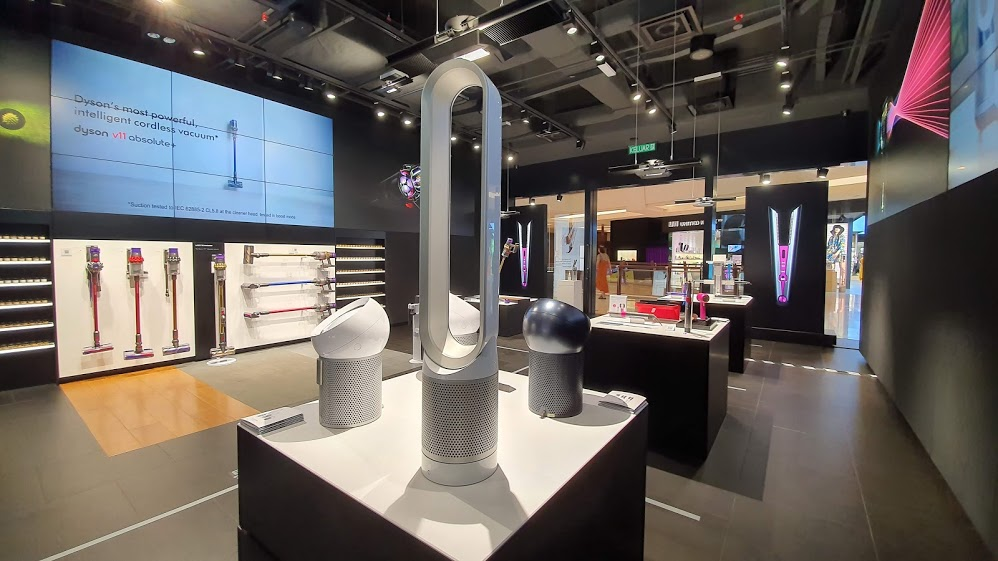 Dyson Black Friday specials are here with up to RM500 discounts and free gifts 1