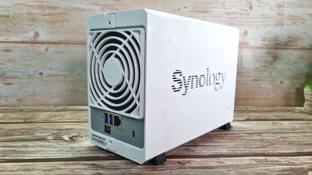 Synology DiskStation DS220j  rear housing