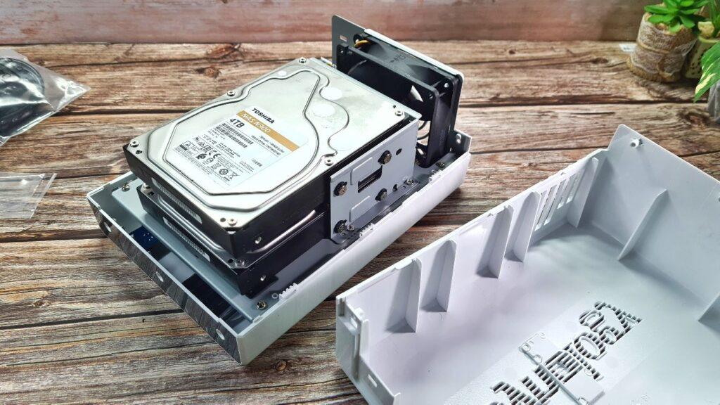 Synology DiskStation DS220j  drives