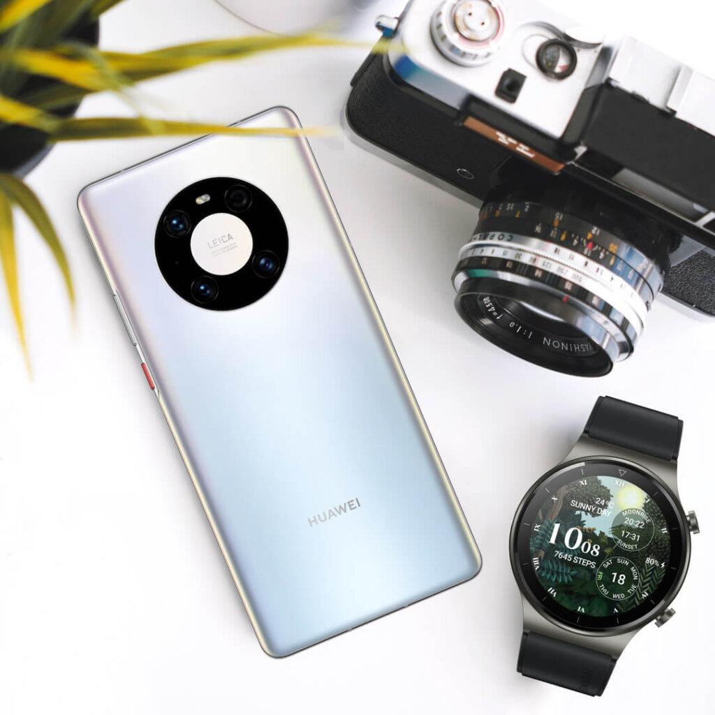 Huawei Mate 40 Pro top view