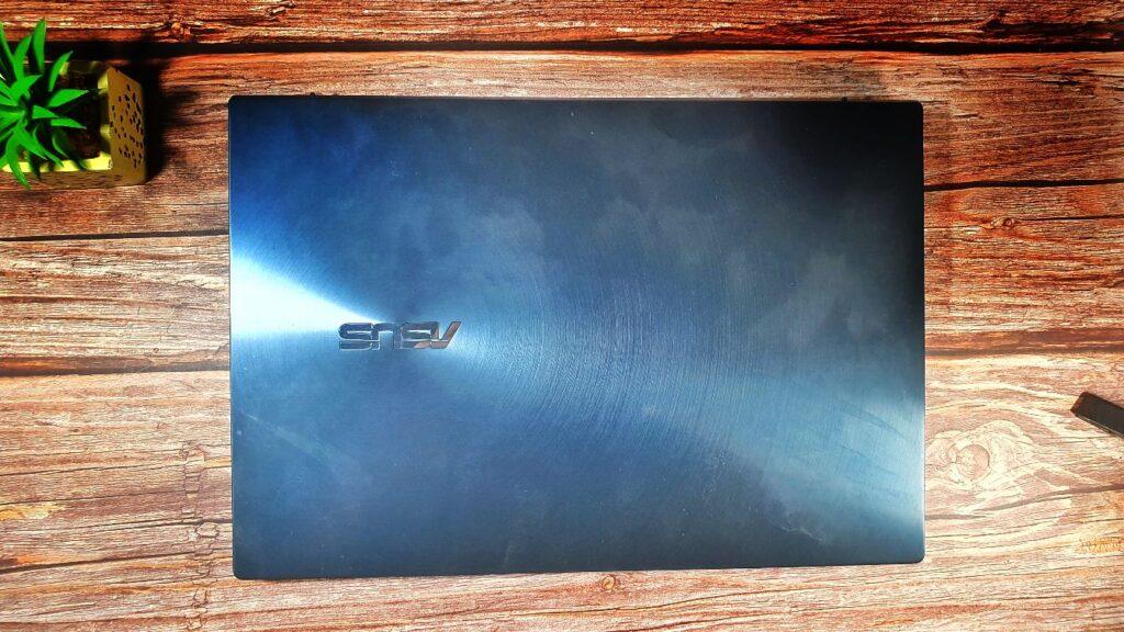 ZenBook Duo 14 UX482 top lid